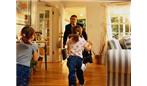 هنگام بازگشت همسر به خانه،بهترین روش رفتار زن و مرد چیست